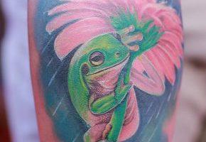 カエルのタトゥーデザイン