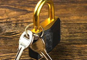 鍵と錠前のタトゥー