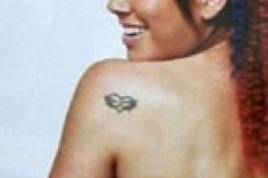 LiLICo 左肩のタトゥーデザイン