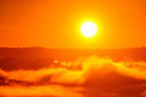 メラメラ燃える太陽