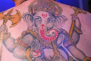 ゾウのタトゥー デザイン