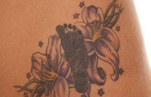 ユリのタトゥーデザイン