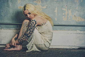 タトゥー後悔 女性