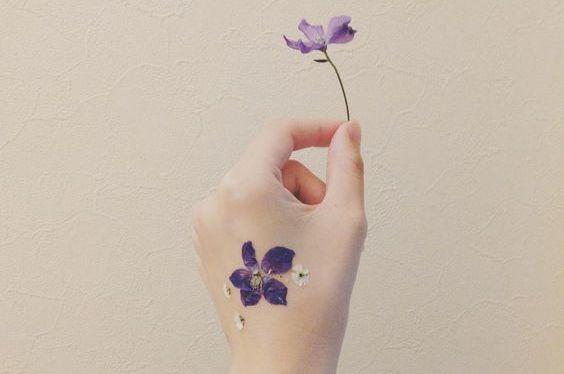 押し花タトゥーの作り方