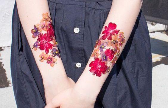 押し花タトゥーが超かわいい!おすすめの通販サイト & 作り方まで徹底解説
